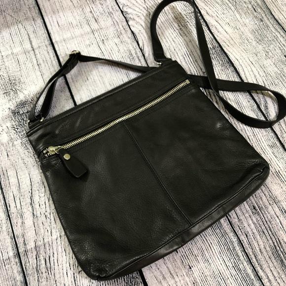 8e13bacc6 Margot, black leather, crossbody purse. M_5c3d4b5d34a4ef89ec6a0aa3